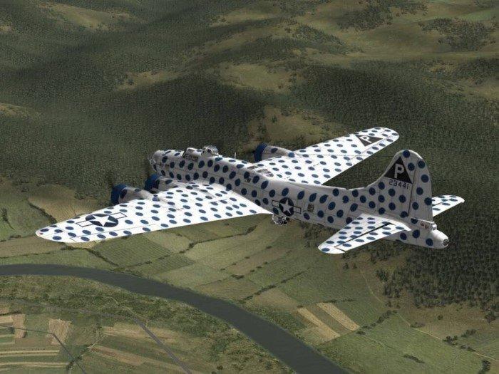 Почему американцы ярко раскрашивали самолеты во время Второй мировой?