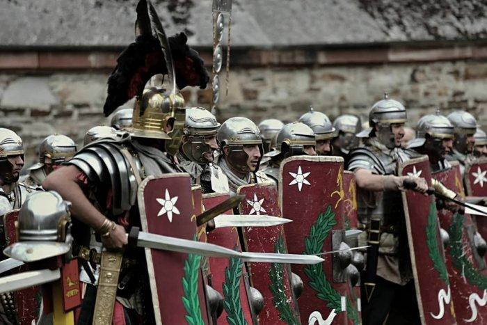 Смог бы римский легион сразиться со средневековой армией?