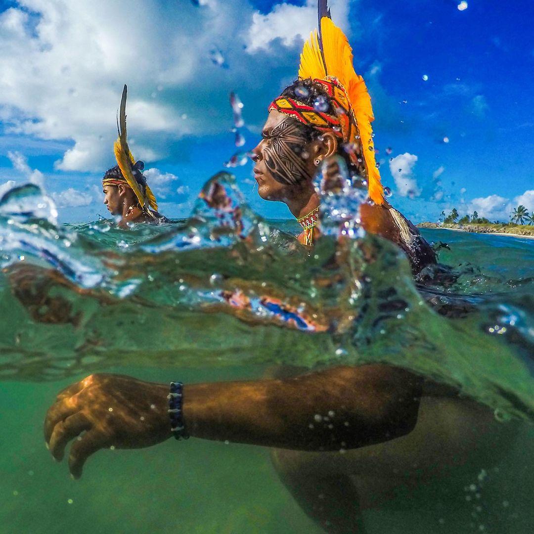 Захватывающие фотографии бразильских племен от Рикардо Штукерта