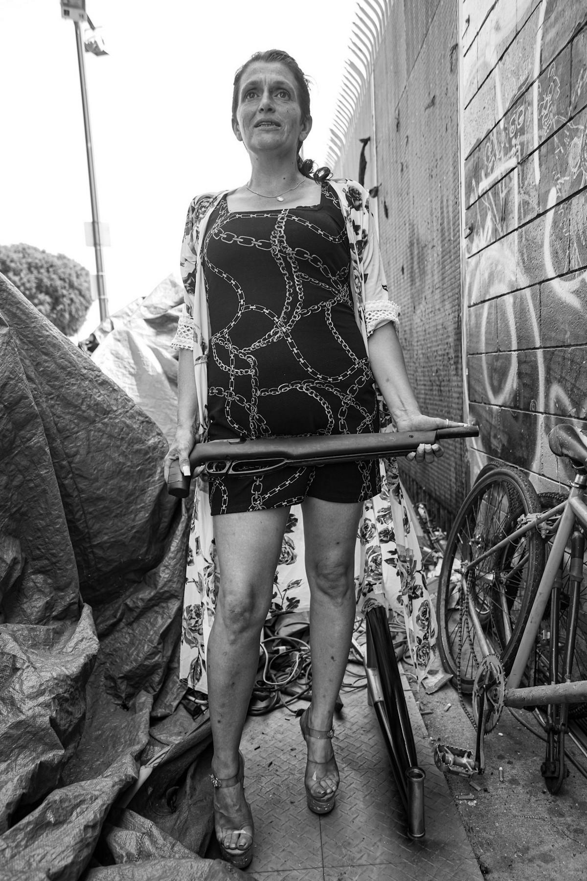 Фотограф десять лет документировал жизнь бездомных в Лос-Анджелесе