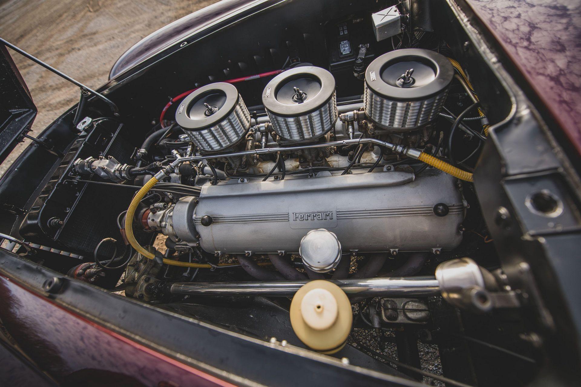 Один из трех существующих Ferrari 375 America 1954 года от Vignale