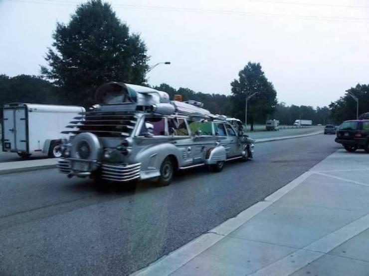 Люди с плохим вкусом превратили свои машины в монстров на колесах