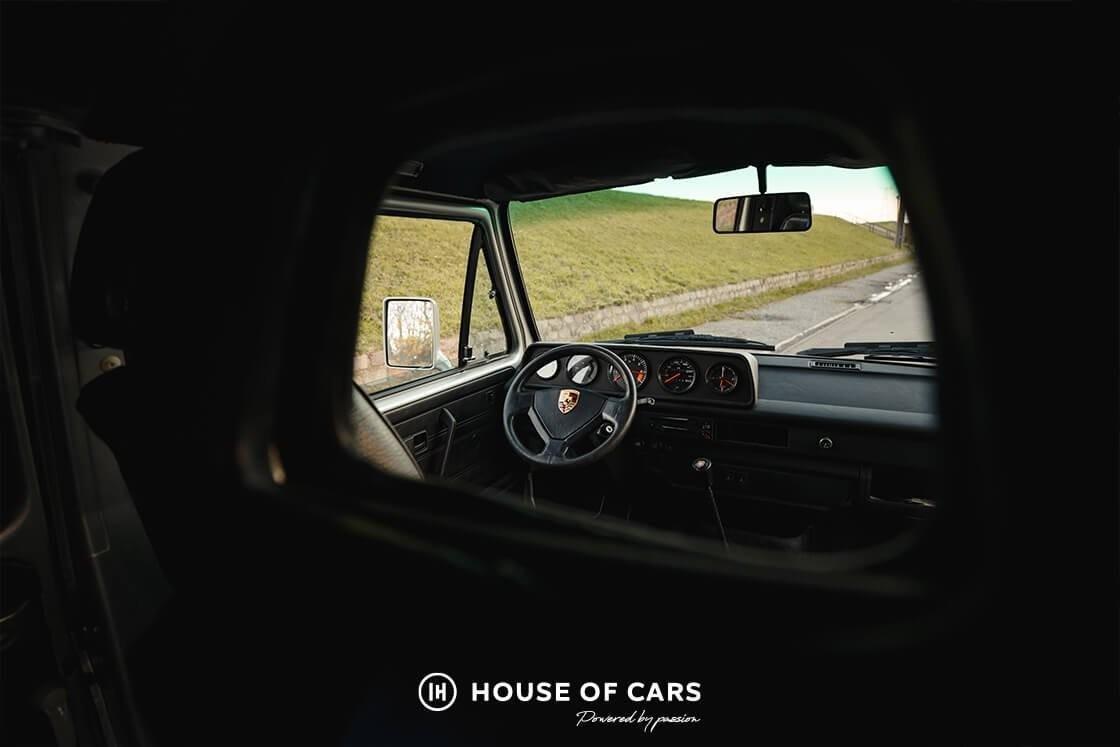 Необычный микроавтобус Volkswagen с двигателем от Porsche 911