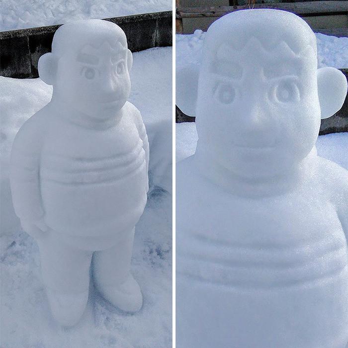 Творения японского мастера по лепке снеговиков