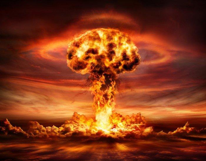 Что будет, если взорвать ядерную бомбу в космосе?