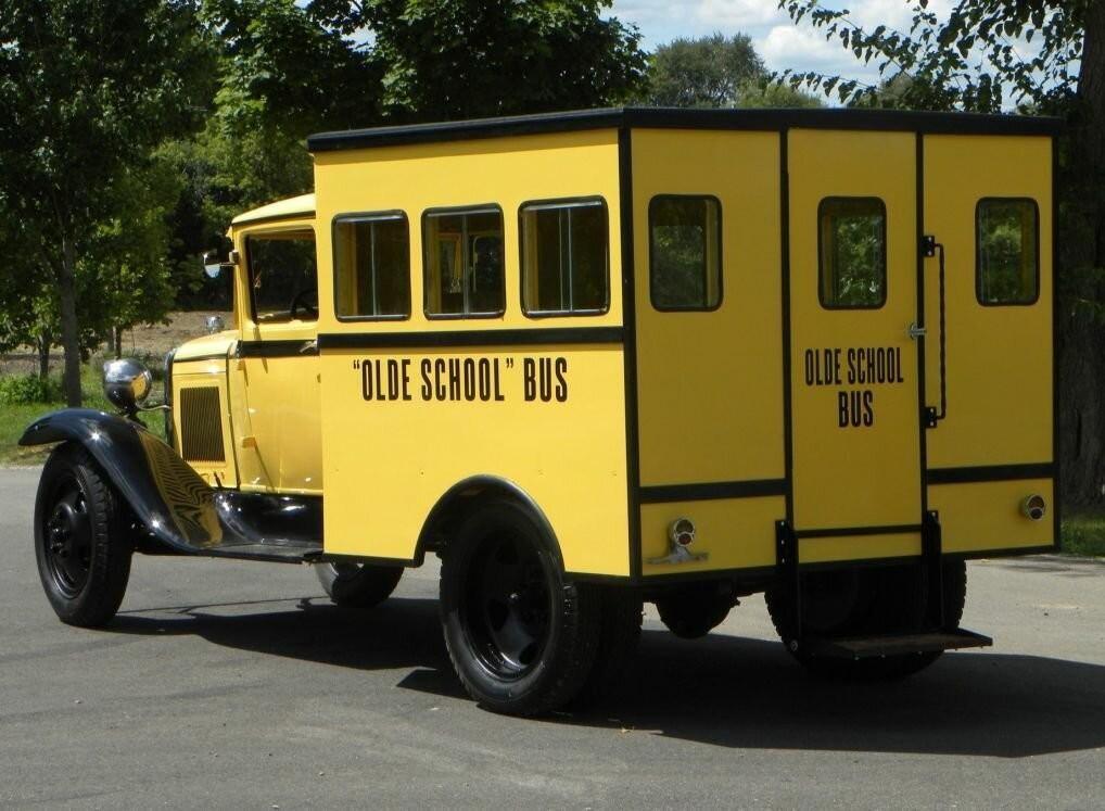 Сельский школьный автобус из 1930-х