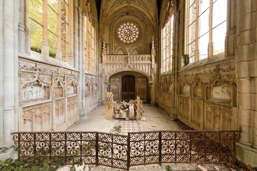 Красота заброшенных мест на снимках Jahz Design