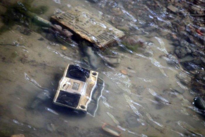 Что французы нашли на дне осушенного канала Сан-Мартен?