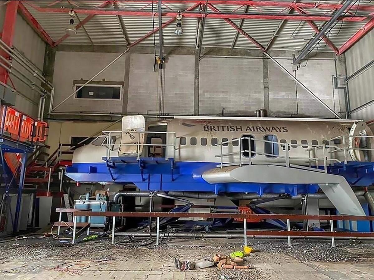 Заброшенный учебный центр British Airways на снимках