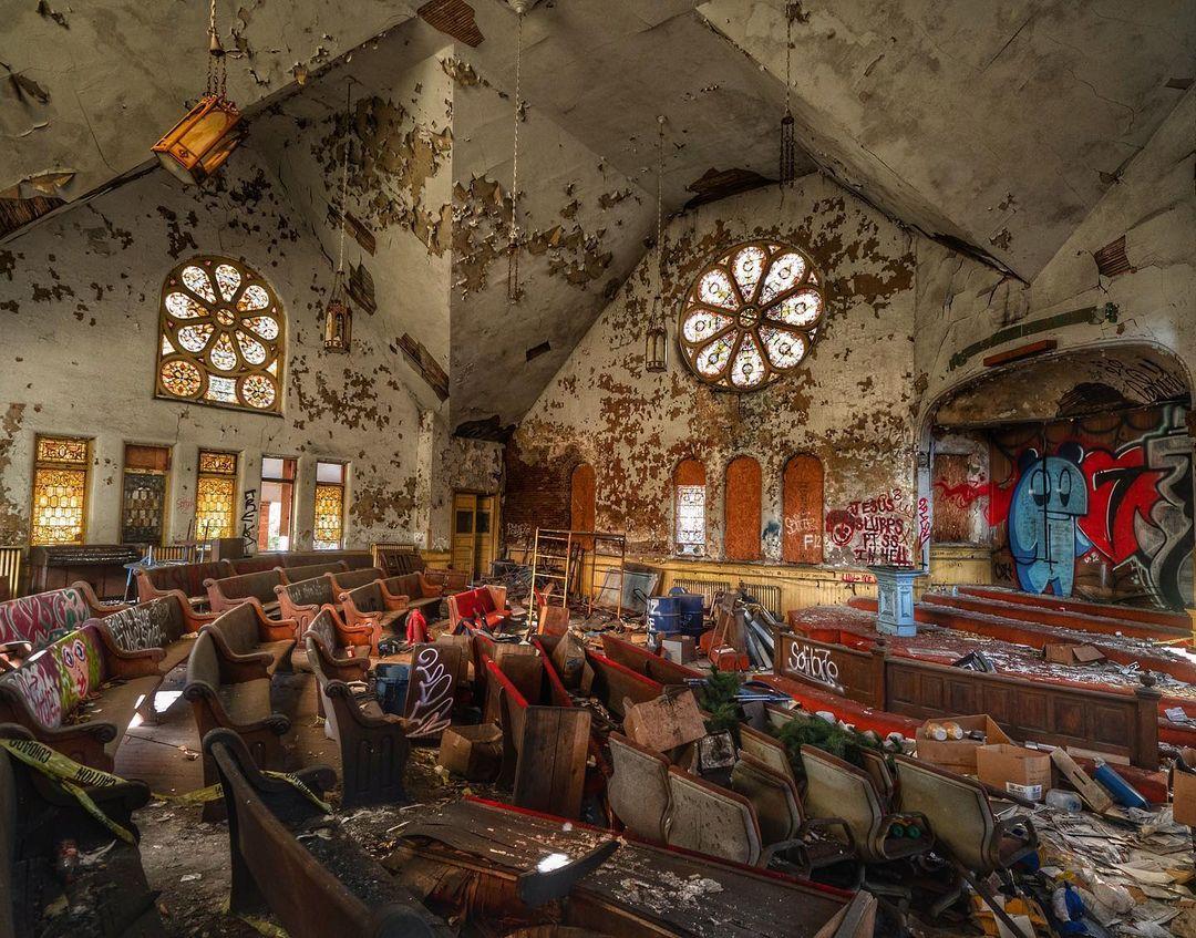 Заброшенные места на фотографиях Эндрю Вуда