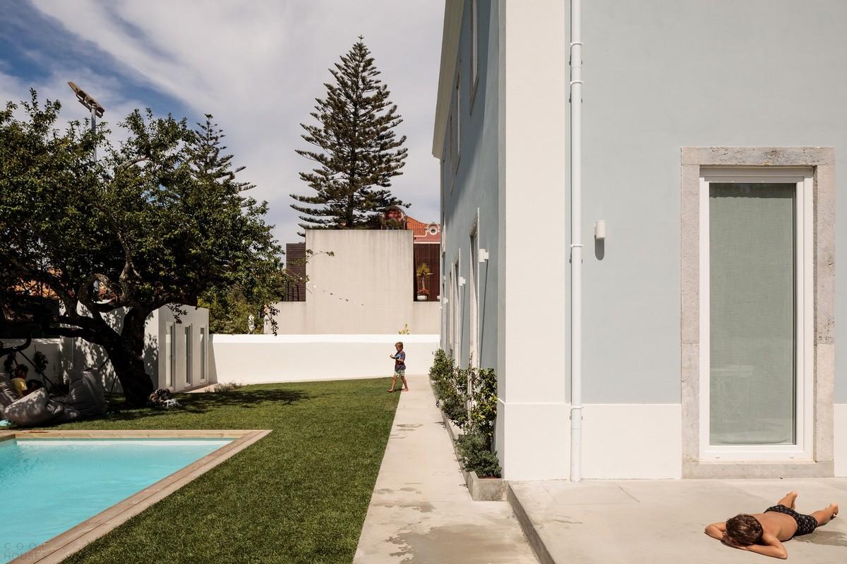 Преобразование старинного дома в семейный особняк в Португалии