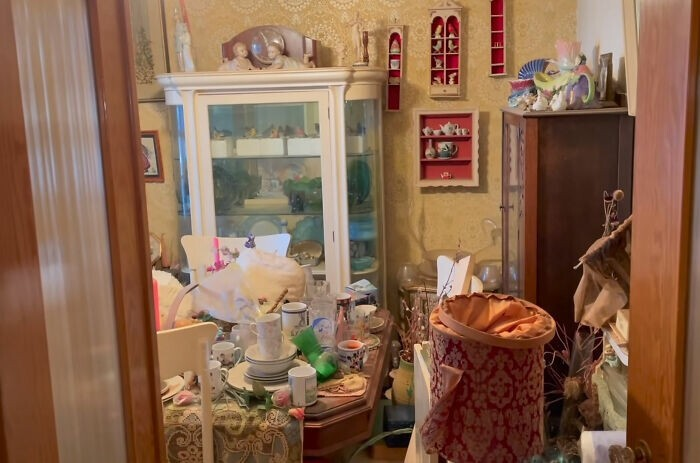 Мужчина купил дом бывшей учительницы и нашел настоящие сокровища