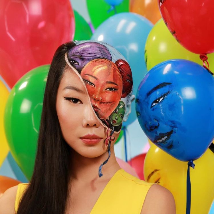 Южнокорейская художница превращает своё лицо в потрясающие оптические иллюзии