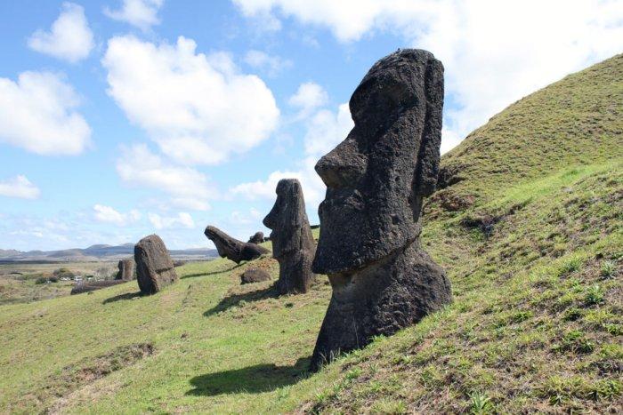 Кто построил каменных истуканов острова Пасхи?