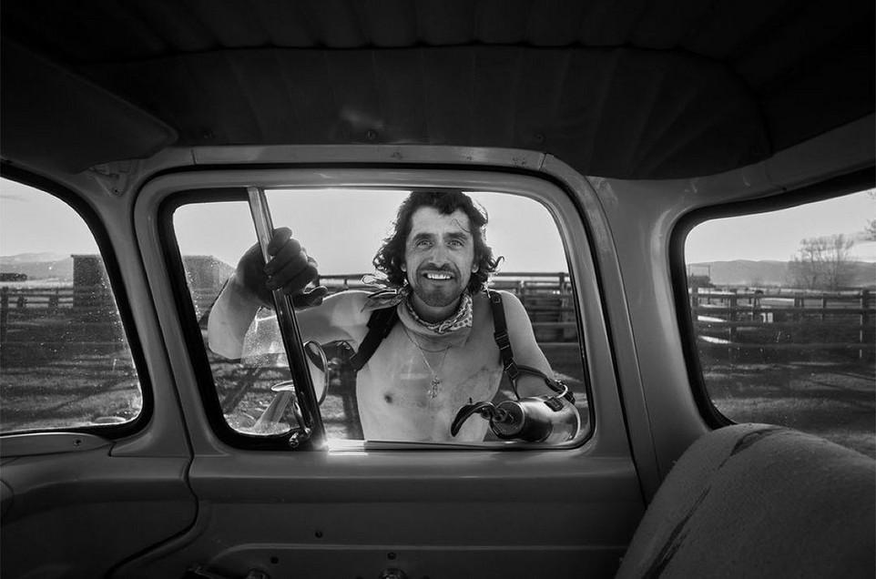 Америка на увлекательных снимках из окна старого пикапа