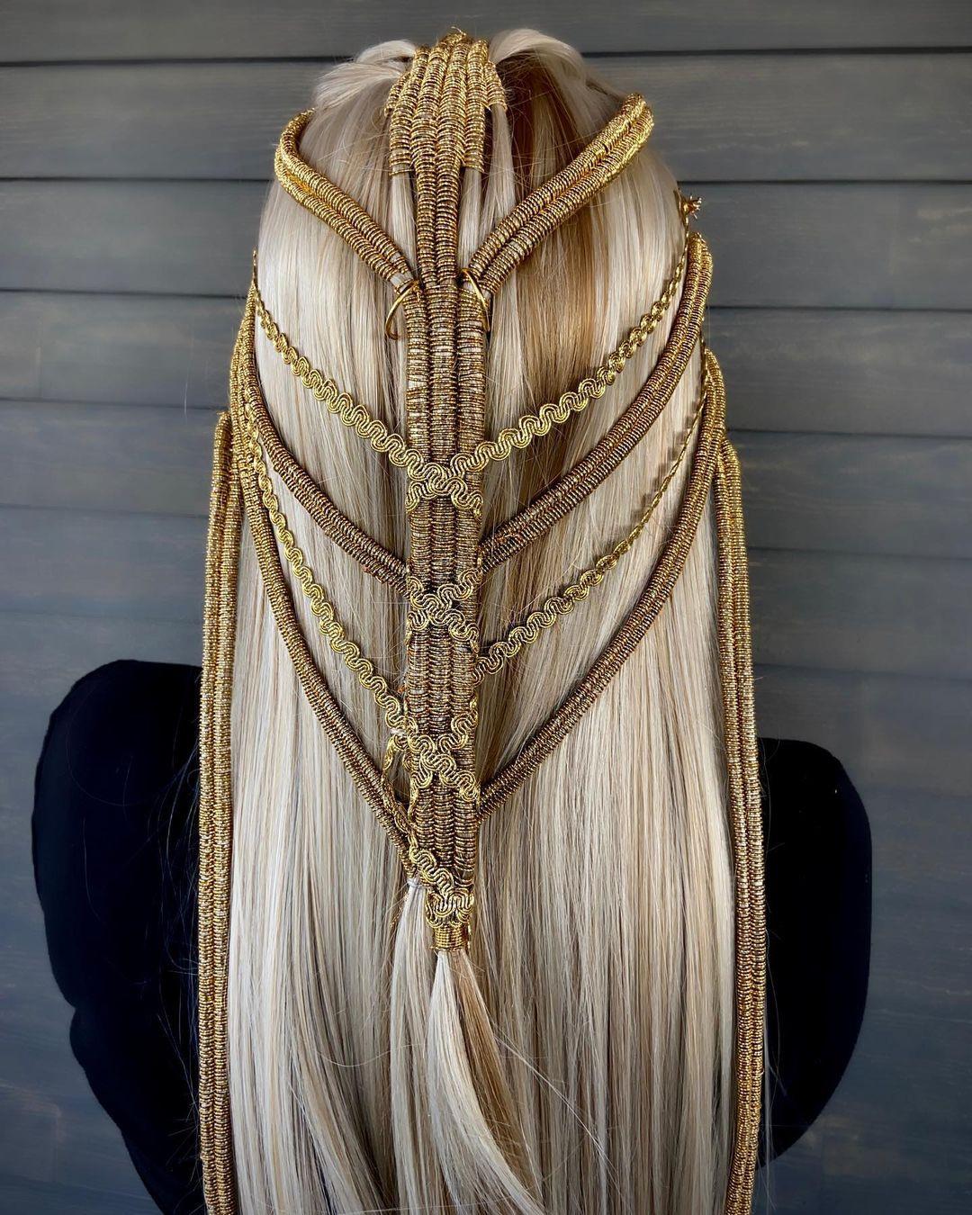 Длинные косы как произведения искусства