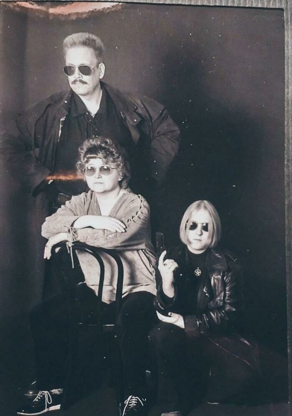 Снимки из семейных альбомов, которые хочется спрятать подальше