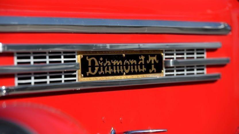 Очень крутой пикап Diamond T 201 1941 года