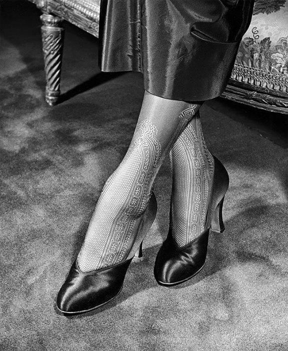 Красотки середины ХХ века в изящных чулках