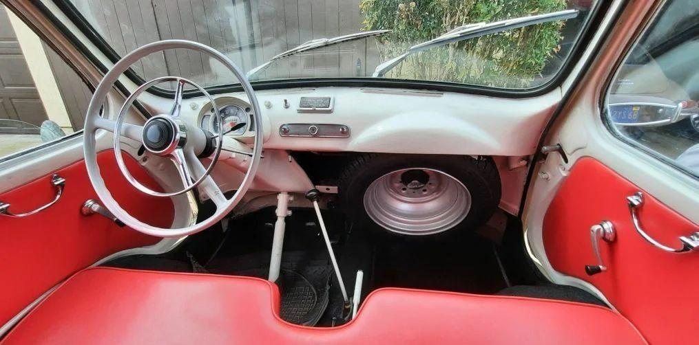 Крохотный микроавтобус Fiat Multipla из шестидесятых