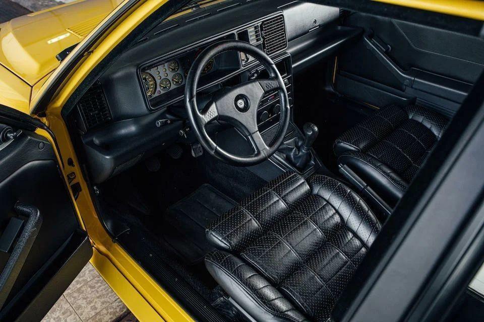 Лимитированный Lancia Delta HF Integrale Evoluzione Giallo Ferrari