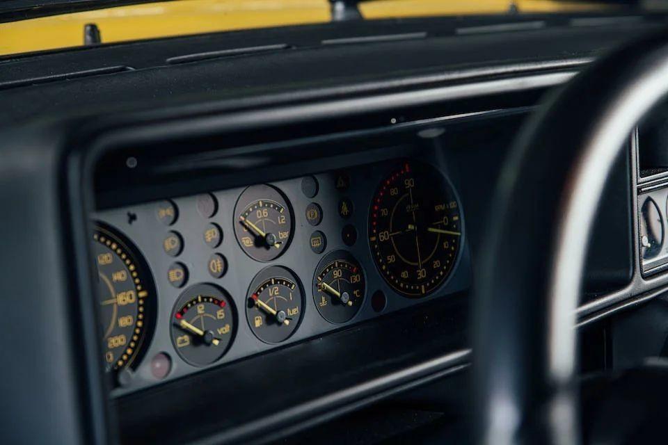 Лимитированный Lancia Delta HF Integrale Evoluzione «Giallo Ferrari» Авто/Мото