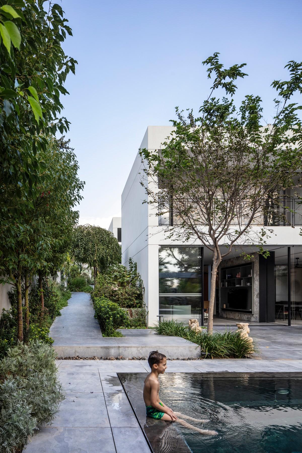 Двухэтажный семейный дом в Израиле