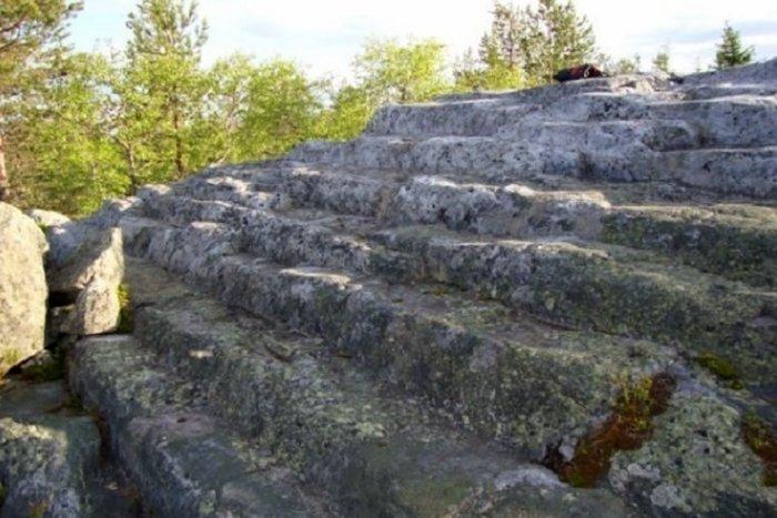 Кто построил пирамиды на Кольском полуострове