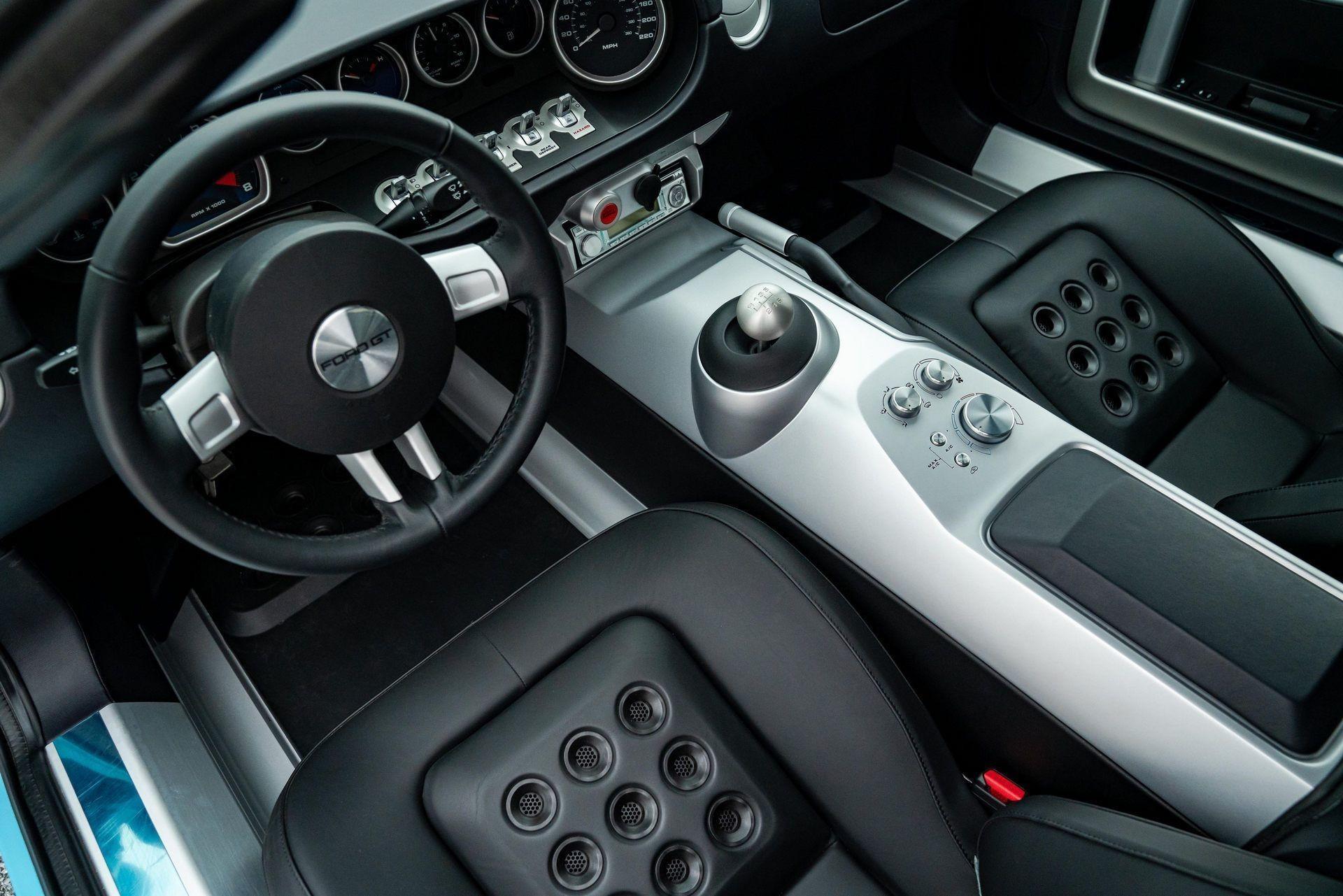 Ford GT Heritage 2006 года, проехавший всего 2,7 мили