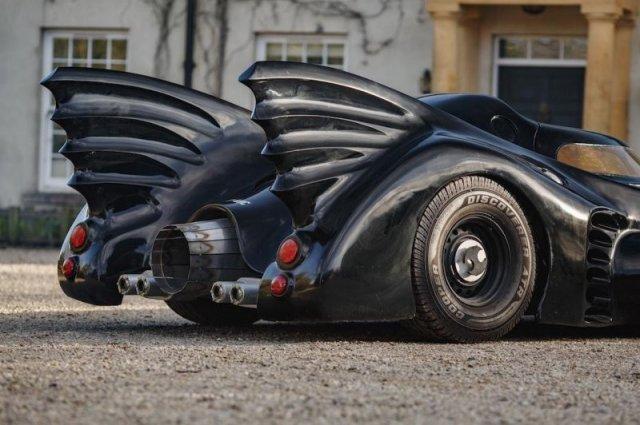 Семиметровый Бэтмобиль, на котором можно ездить по дорогам общего пользования