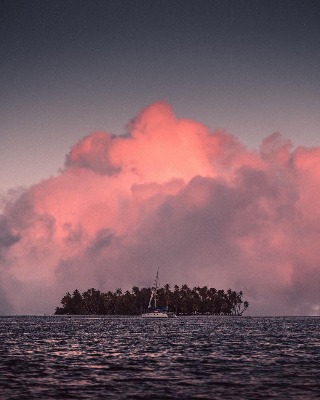 Путешествия и приключения на снимках Шарля Лопеса