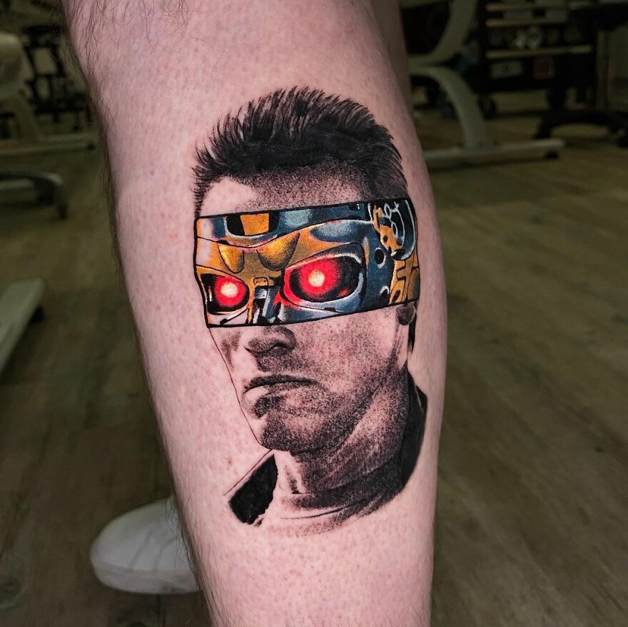 Татуировки с популярными персонажами, которые изображёны в двух разных стилях