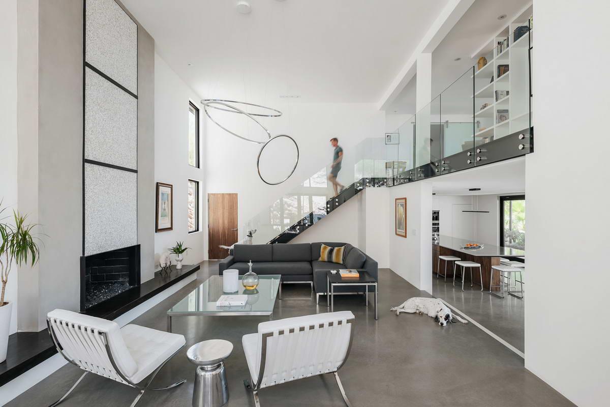 Превращение старого дома в современное жилище в США