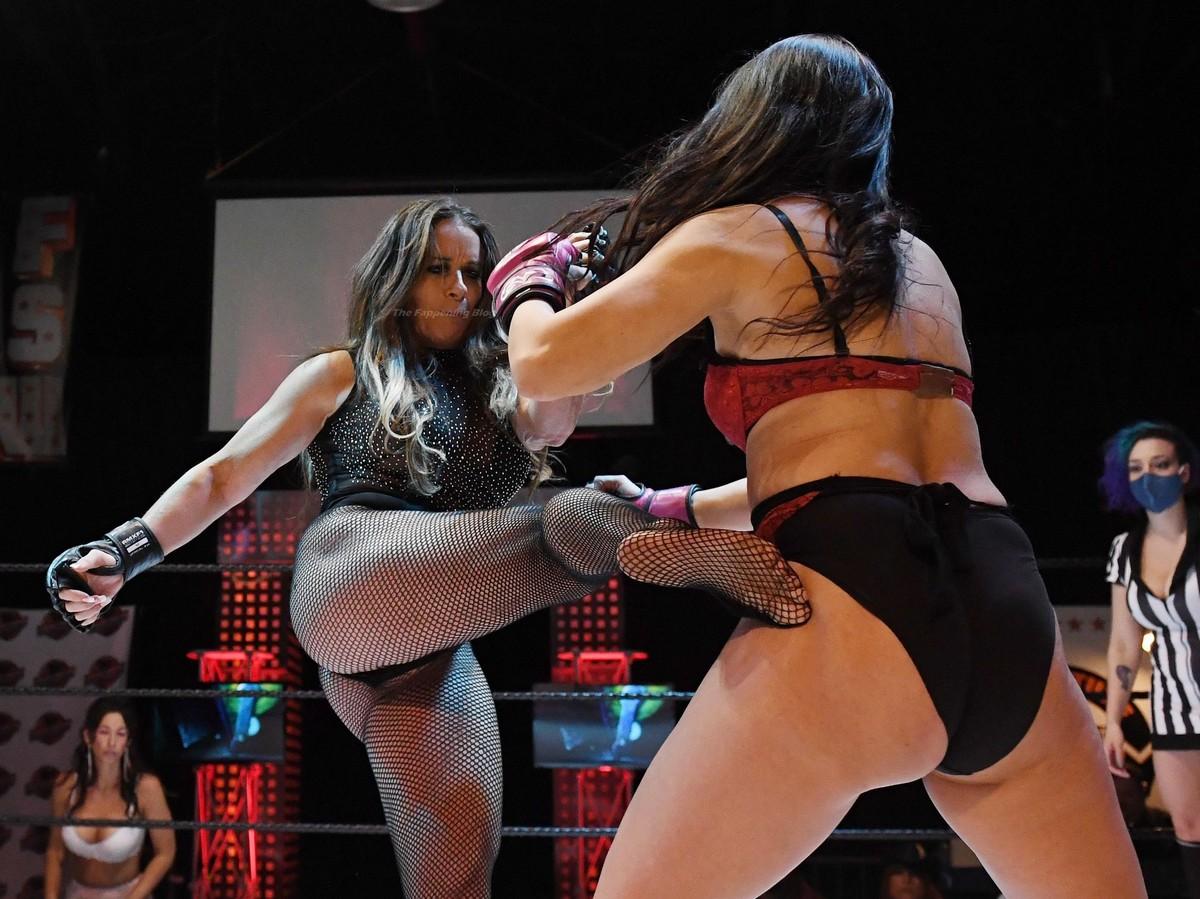 Женский чемпионат по боям в нижнем белье прошел в Лас-Вегасе