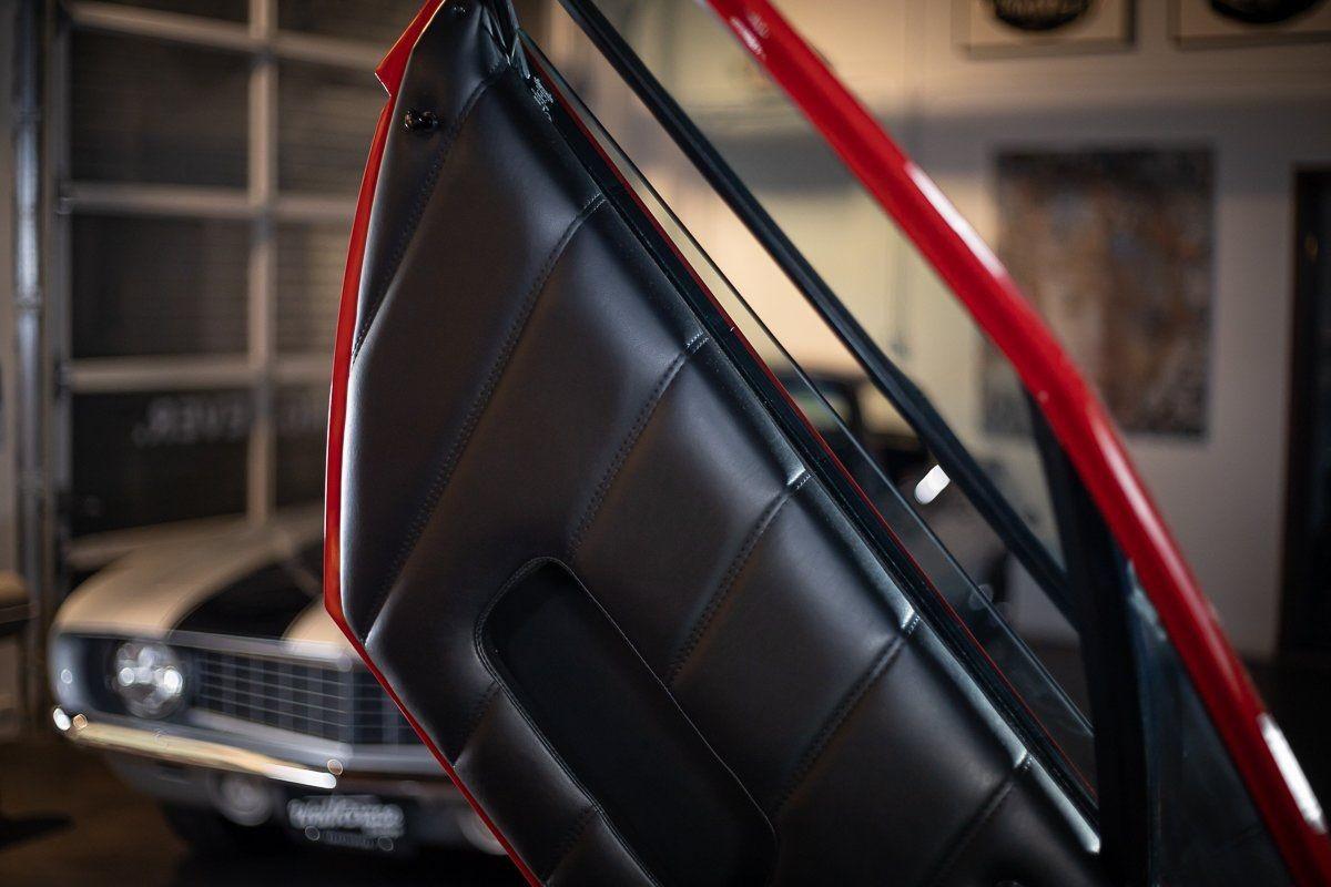 Редкий юбилейный Lamborghini Countach с минимальным пробегом
