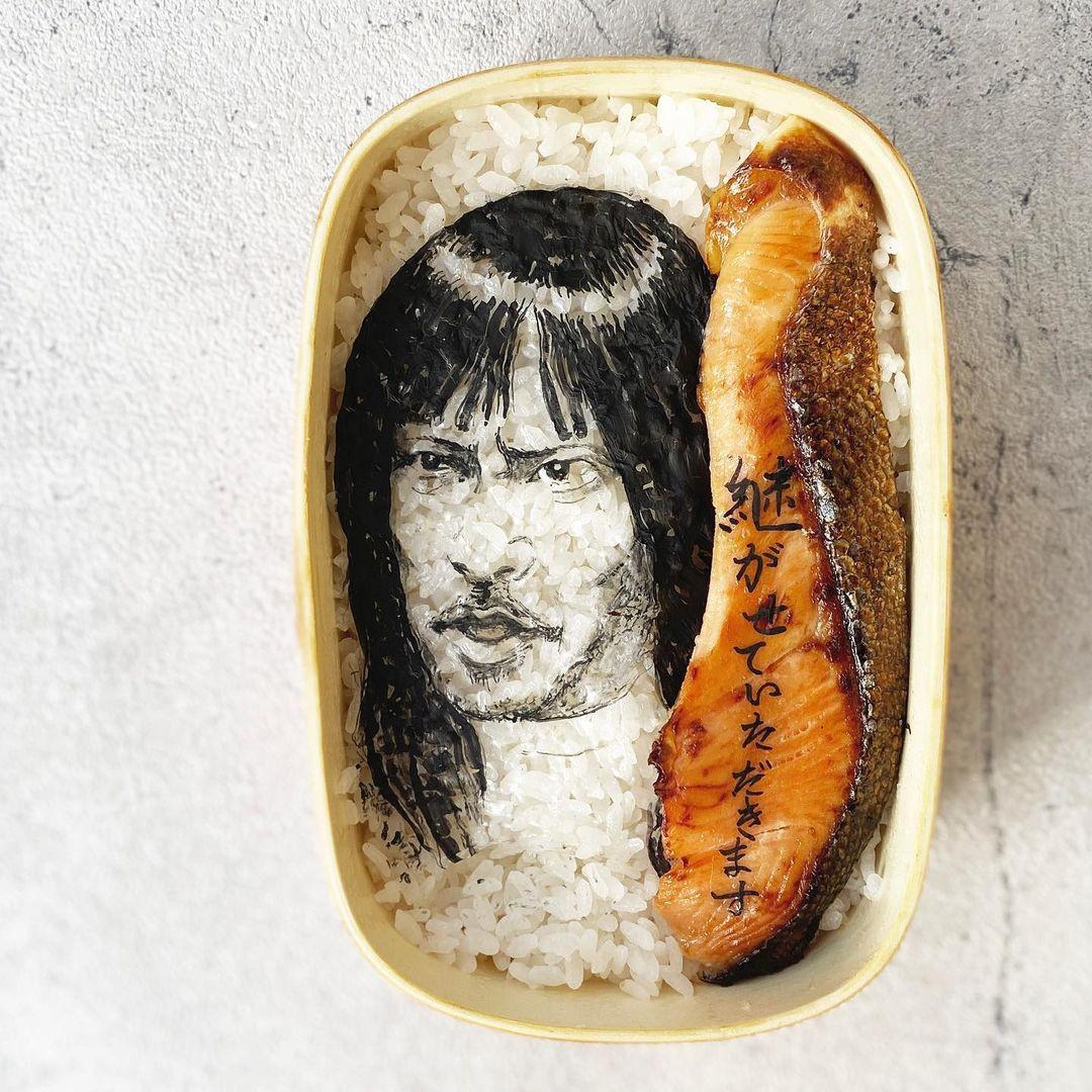 Фуд-художница украшает нори-бэнто детализированными портретами