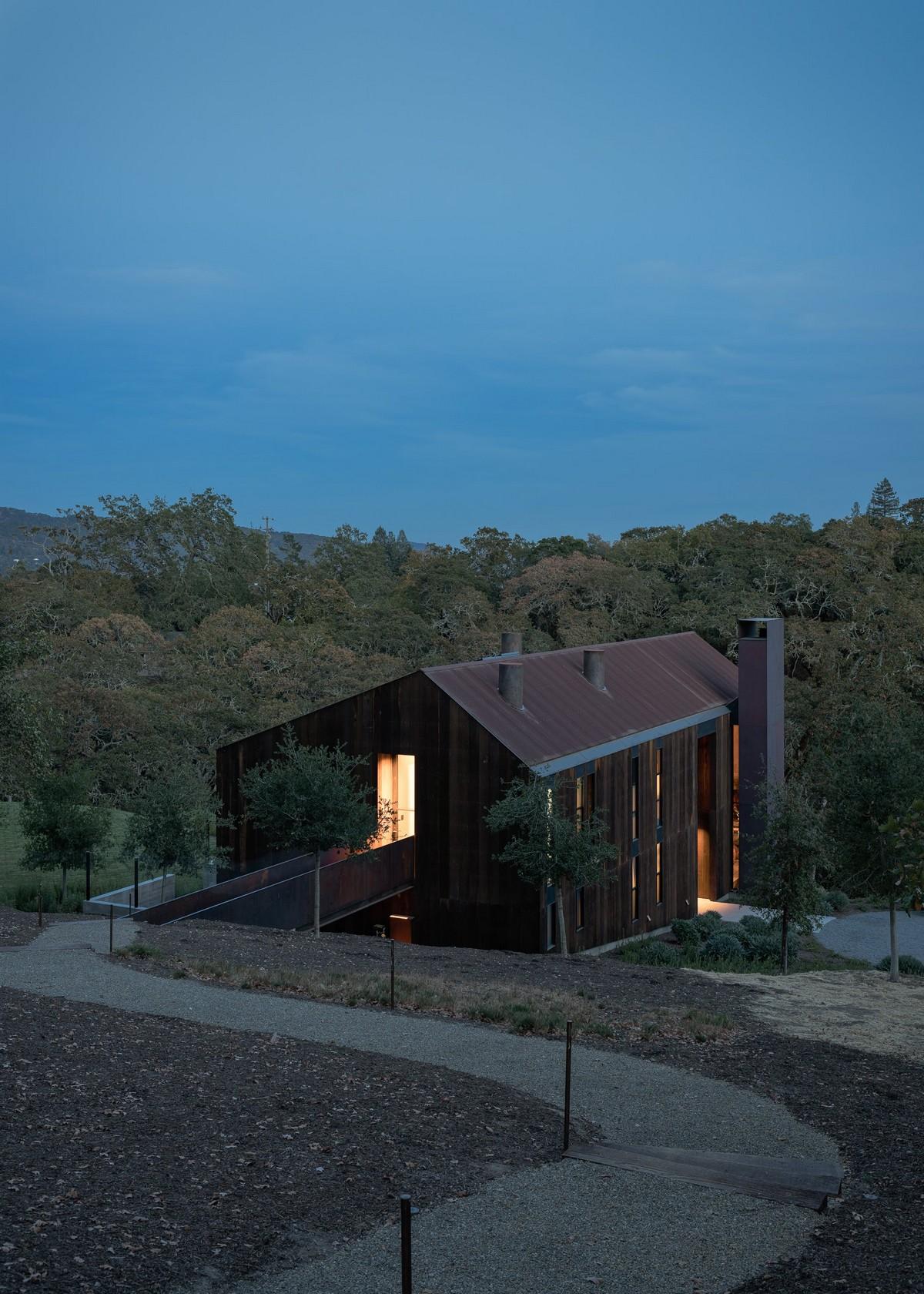 Большой дом-сарай в Калифорнии