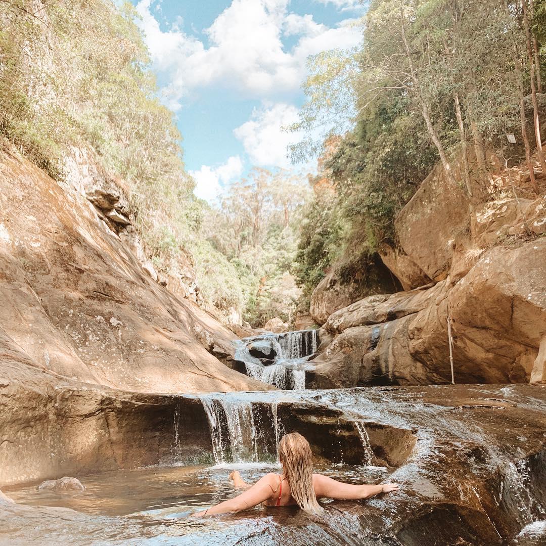 Потрясающие природные скальные бассейны в Австралии