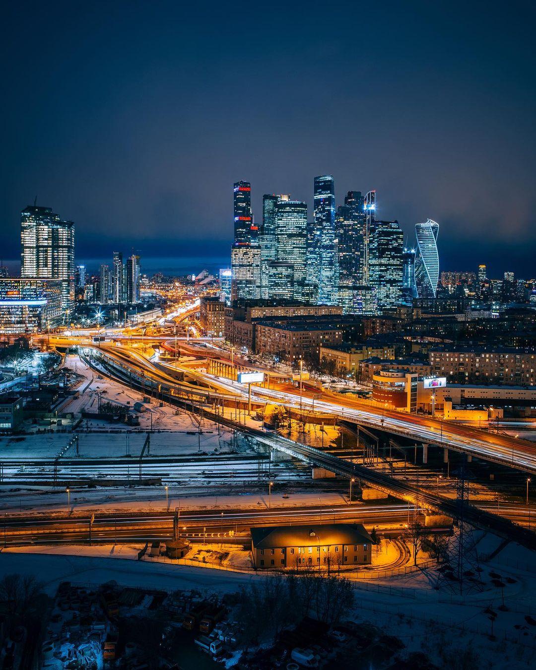 Архитектура и пейзажи Москвы на снимках Ильи Воробьева