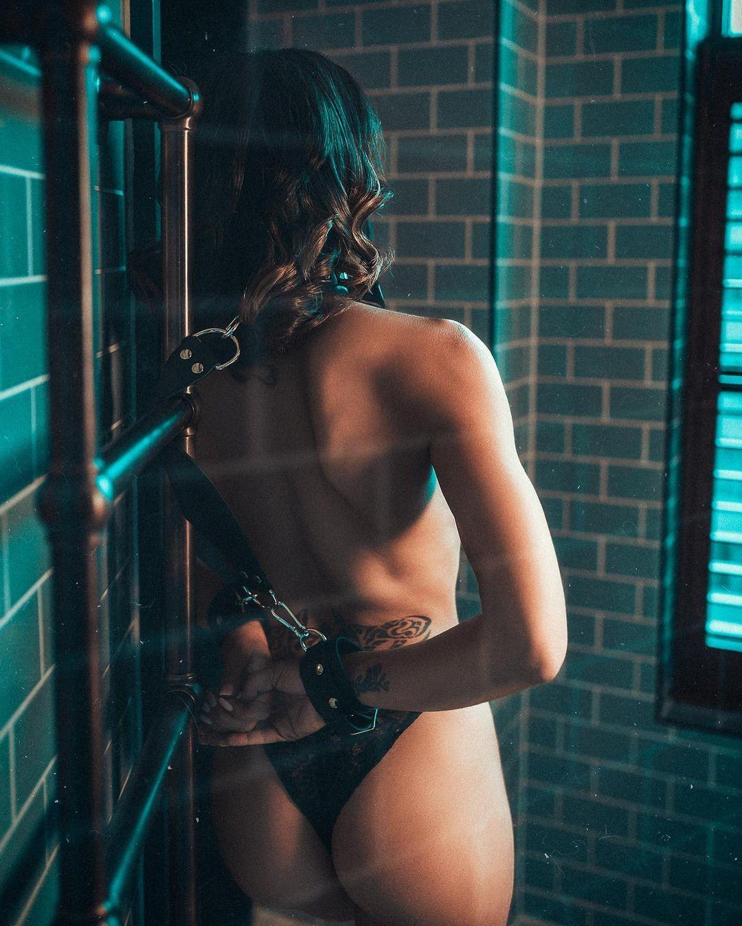 Альтернативная мода на ярких снимках Адама Кроу