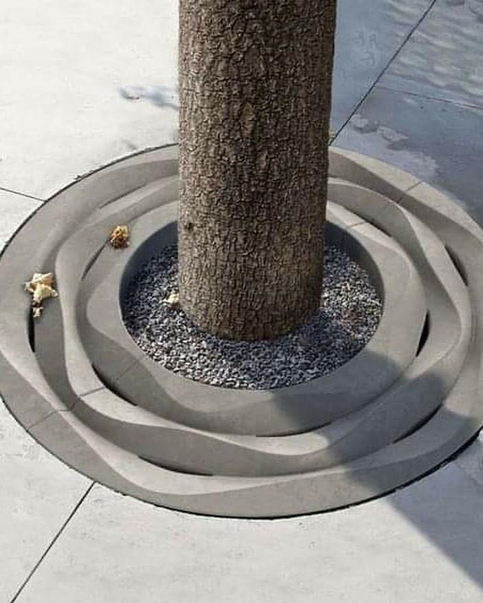 Необычные решётки для деревьев как произведения искусства