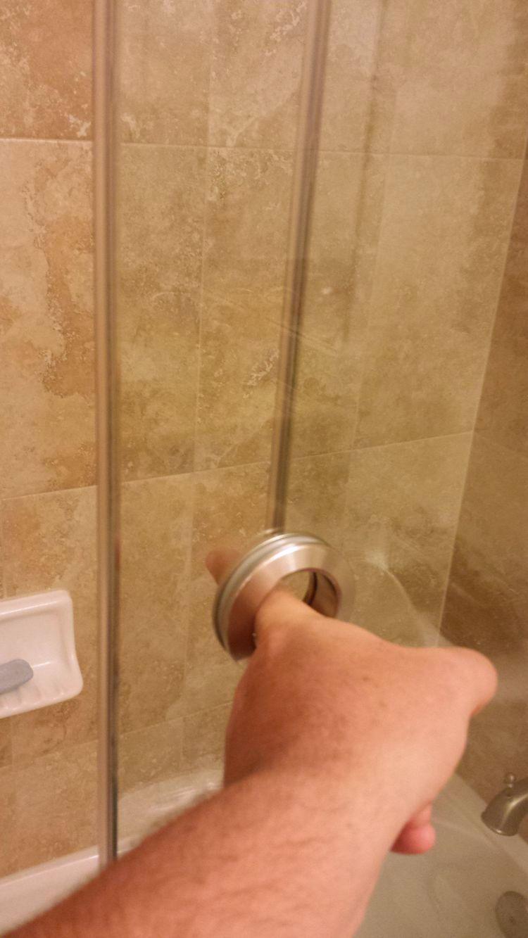 Душевые и ванные с максимально нелепым дизайном