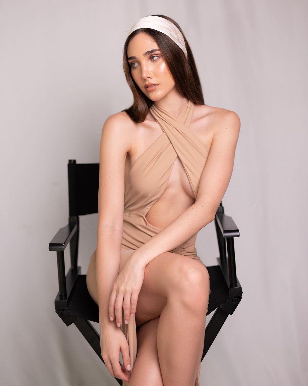 Мода и девушки на снимках Алехандро Гонсалеса