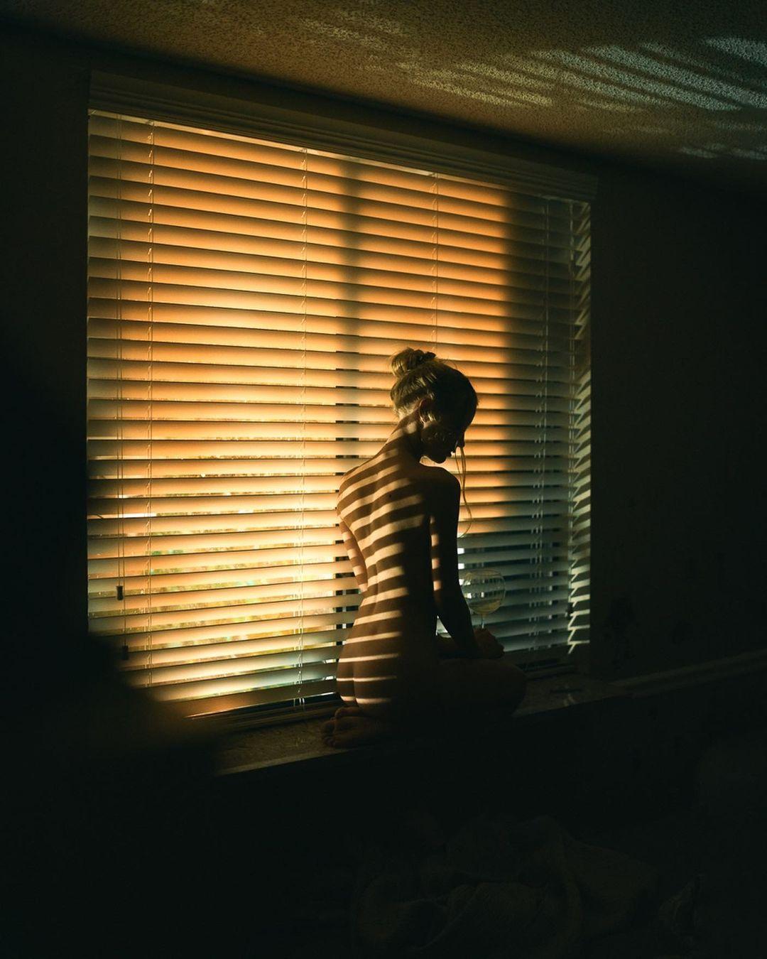 Чувственные портреты девушек от Рида Уолчла
