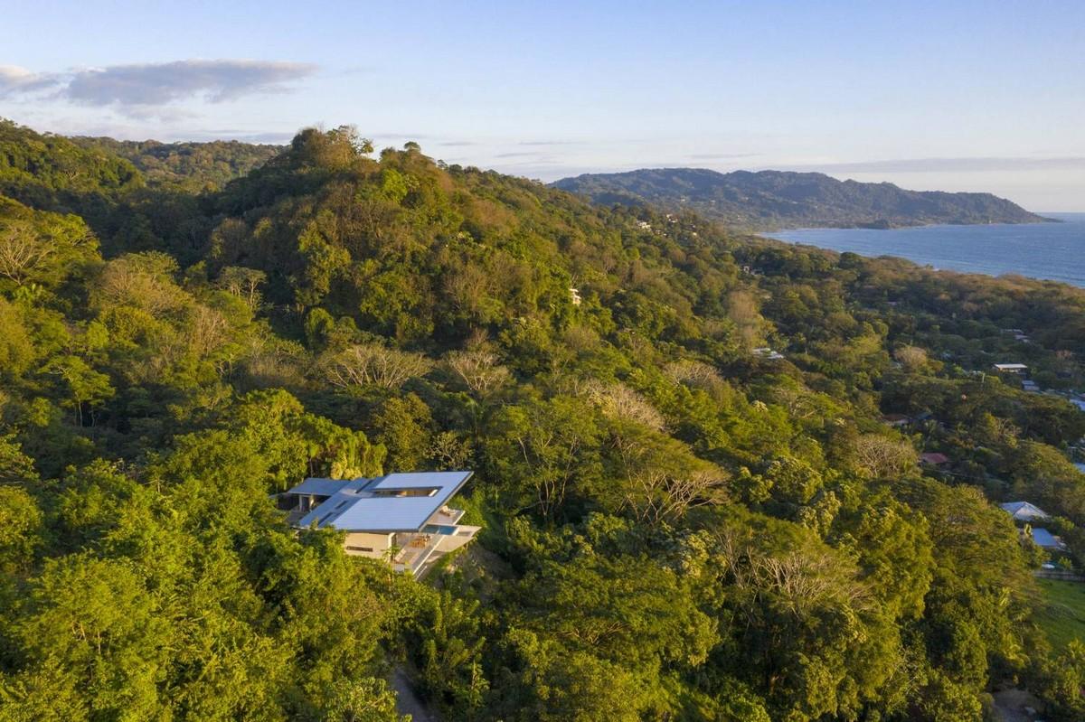 Бетонная вилла с панорамным видом на Тихий океан в Коста-Рике
