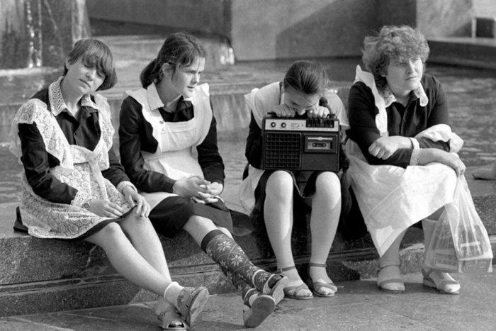 Что запрещалось носить школьникам в СССР?
