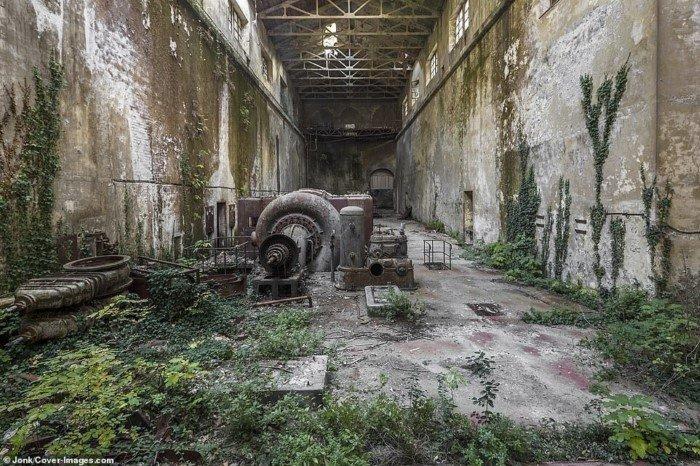 Магия заброшенных зданий от Джонатана Хименеса