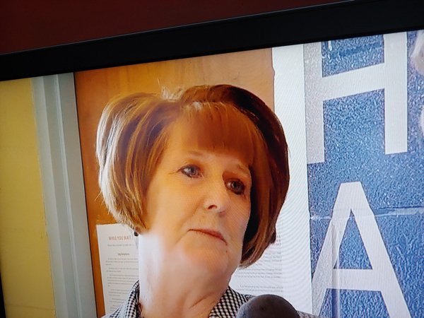 Они всё ещё не нашли себе хорошего парикмахера