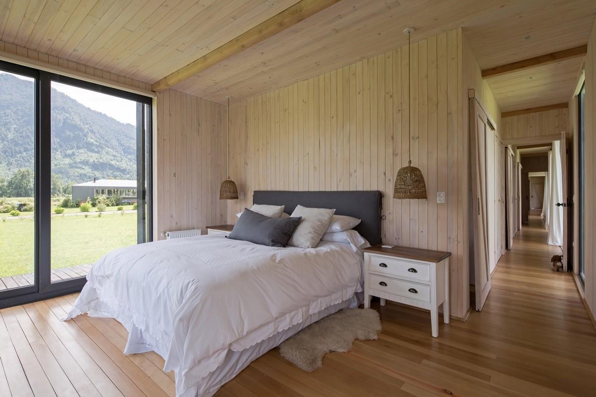 Простой длинный дом для отдыха в Чили