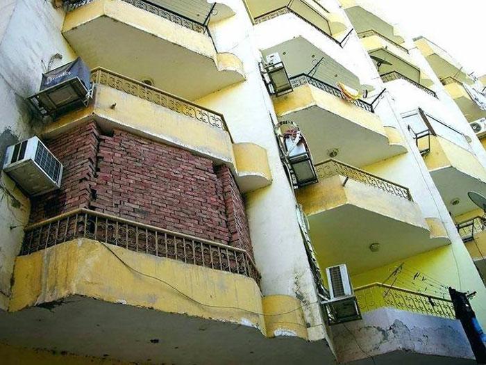 Подборка максимально странных балконов
